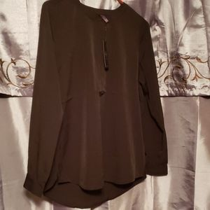 NWT NYDJ Black blouse